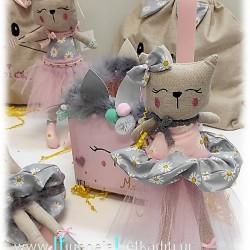 """Λαμπάδα για κορίτσια """"Γατούλα floral ροζ"""" με υφασμάτινο λαστιχάκι μαλλιών"""