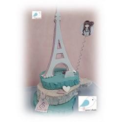 Ξύλινος διακοσμητικός πύργος με ήρωα